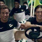 """Szenen-Bild aus der neuen Nike """"My time is now""""-Kampagne mit den deutschen Nationalspielern Mario Götze und Mesut Özil."""
