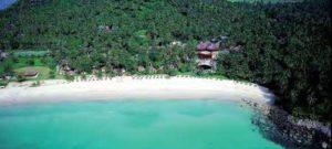 Einer der schönsten Strände Phukets: Pansea Beach mit The Surin