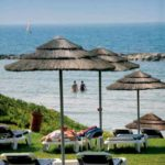 Strandclub am Mittelmeer