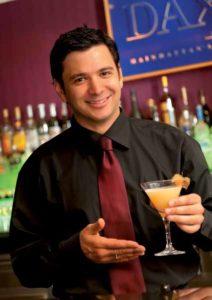 """Christian Haberle: """"Unser Team hat diesen Cocktail für den Herbst kreiert. Das weiche Rum-Aroma überwiegt gegenüber dem Wodka. Ein lieblich-fruchtiger Drink, der vor allem Frauen schmeckt."""""""
