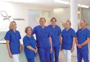 Das Team der Zahnklinik Jung