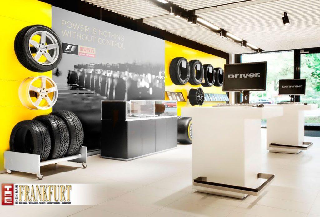 Das Driver Center ist eine Kombination aus Showroom, Design-Lounge, Beratungsraum und Verkaufs- und Servicebereich.