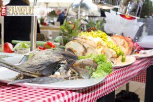 Highlight der zahlreichen Food-Stationen - ein ganzer Schwertfisch