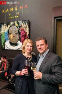 Bettina Nohe (Managerin von Devin Miles) mit Co-Gastgeber und Kameha Suite-Geschäftsführer Christian Bordzio