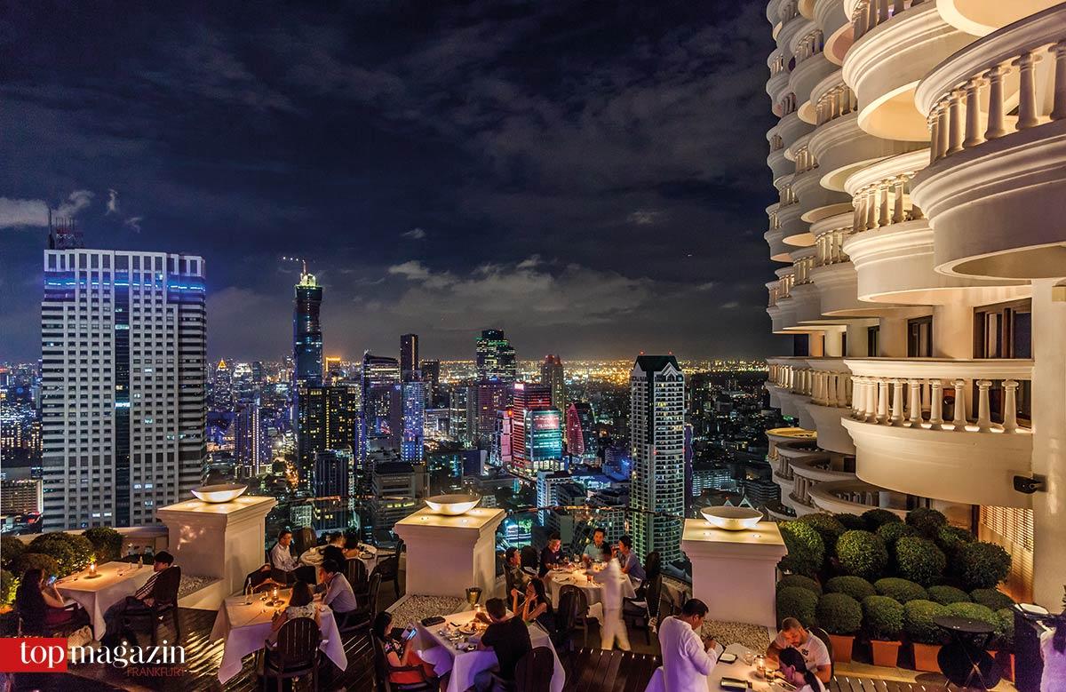 Das Breeze verwöhnt mit asiatischer Küche und spektakulärem Blick auf die Skyline von Bangkok.