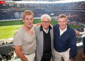 Ex-Nationaltorhüter Uli Stein mit Aufsichtsratschef Wolfgang Steubing und Ex-Nationalspieler Dieter Müller