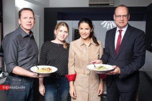 Erfolgreiches Team – Küchen Großjohann-Chef Peter Großjohann, Top Magazin-Redakteurin Kahtrin Link, Mariella Ahrens und MHK Group-Vorstand Dr. Daniel C. Schmid