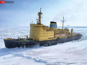 Der Eisbrecher Kapitan Khlebnikov