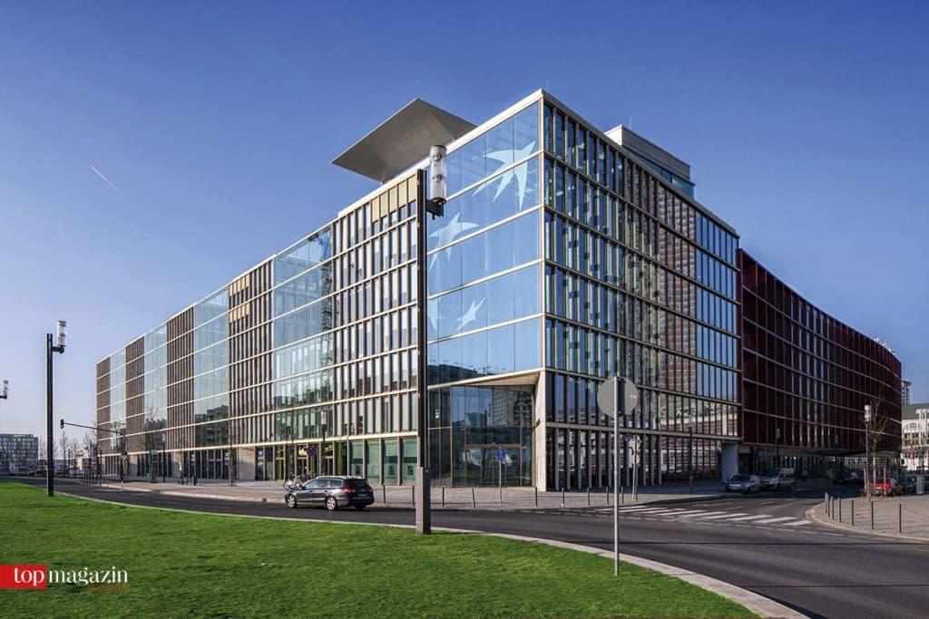 Das Gebäude der BNP Paribas in der Europa-Allee