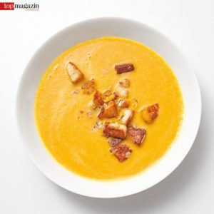 Kiwis Kürbis-Kokos-Suppe mit Halloumiwürfeln