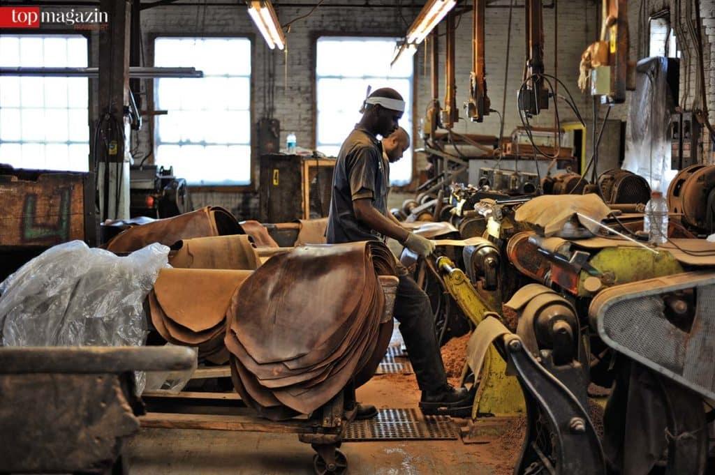 Das handgegerbte Shell Cordovan-Leder kommt aus der Manufaktur Horween in Chicago und gilt als das beste Leder der Welt.