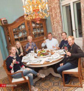 Marie Linsenhoff mit Top Magazin-Redakteurin Annika John, Ann Kathrin Linsenhoff sowie Klaus Martin Rath und seine Söhne Henrik und Matthias
