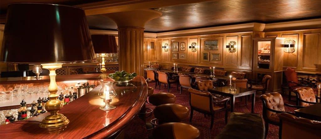 Die Jimmy's Bar im Grandhotel Hessischer Hof sucht einen neuen Chef.