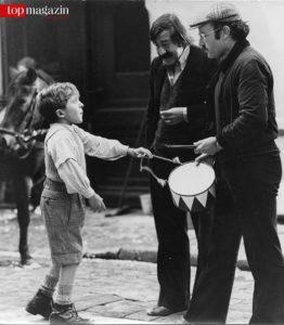 Günter Grass mit Volker Schlöndorff und David Bennent (li.) auf dem Set für 'Die Blechtrommel'