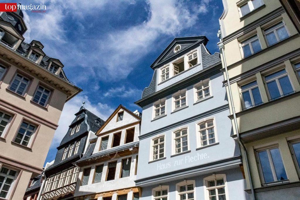 Zum ersten Mal präsentierten sich die Fassaden der neuen Altstadt befreit von ihren Gerüsten.