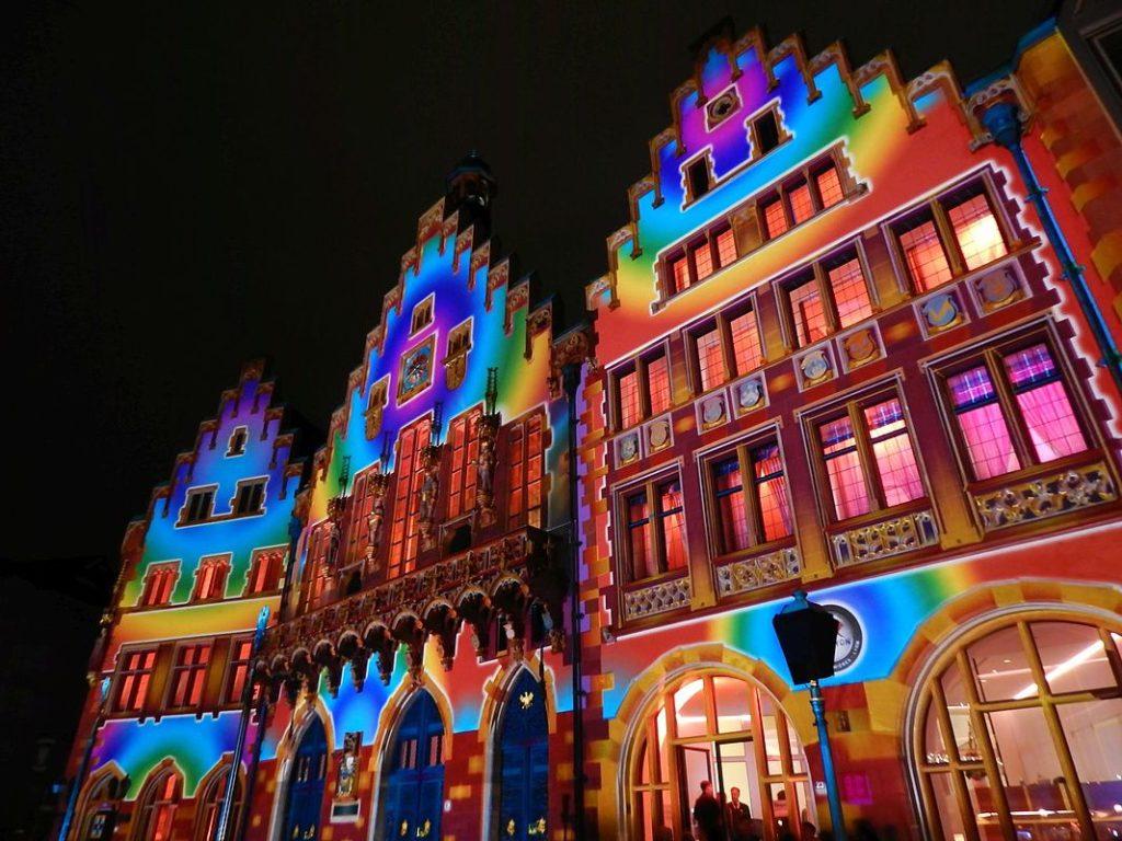 Der Römer leuchtet zur Frankfurter Buchmesse
