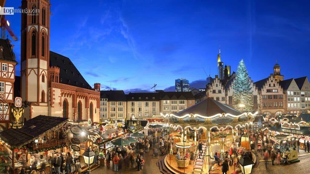 Auf dem Frankfurter Weihnachtsmarkt lässt sich Karrussel fahren, Glühwein trinken oder einfach das Ambiente genießen.