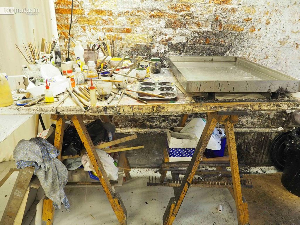 Das Atelier von Alberto Valese, der in Venedig als Meister der Papiermacher gilt.