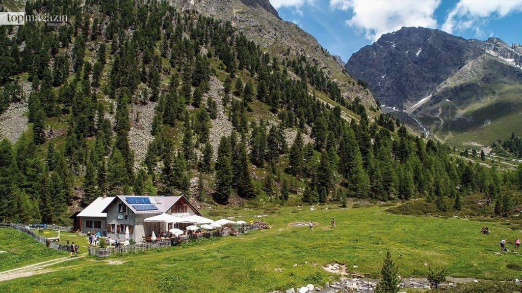 Die Verpeilhütte der Sektion Frankfurt des Deutschen Alpenvereins im Kaunertal in Österreich