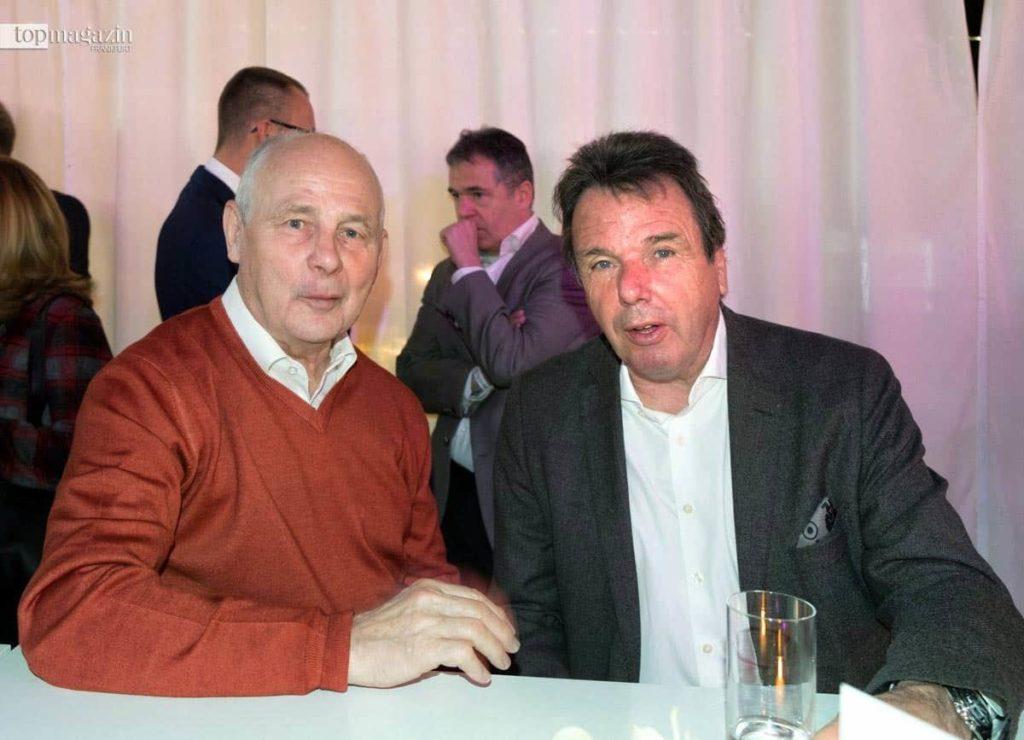 Eintracht-Legende und Weltmeister Bernd Hölzenbein mit HSV-Boss Heribert Bruchhagen
