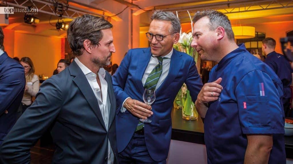 Architekt Ole Scheeren mit GEG-CEO Ulrich Höller und Sternekoch Tim Raue