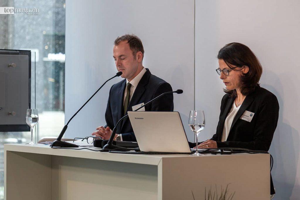 BMW Frankfurt-Chef Uwe Holzer und BMW-Konzersprecherin Micaela Sandstede stellen die Geschäftszahlen 2017 vor.