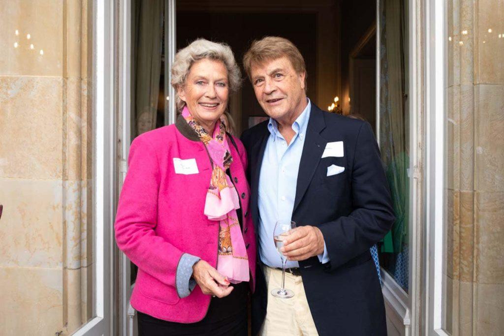 Ehrenbürgerin und Oberbürgermeisterin der Stadt Frankfurt a.D. Dr. h.c. Petra Roth mit Lothar Pfeiffer