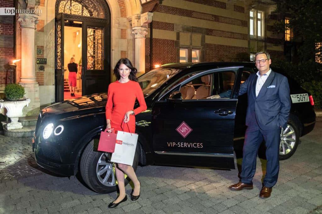 Markus Fischer (Fraport) präsentierte das Bentley Bentayga-Shuttle der Fraport VIP-Services.