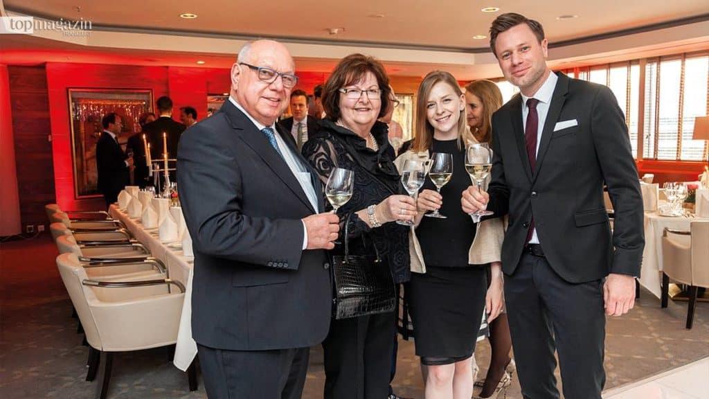 Das Jubiläum feiern auch langjährige Mitglieder - Paul Schuster (Schuster KG) mit Gattin Claire, Ines und Daniel Imhäuser (Schuster KG)