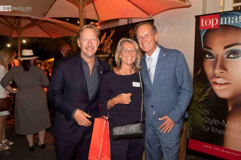 HessenAgentur-Chef Folke Mühlhölzer mit Frau Petra und Staatsminister Axel Wintermeyer (Hessische Staatskanzlei)