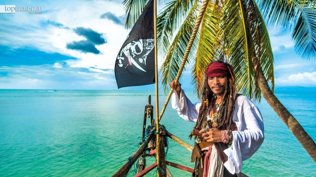 Captain Jack Sparrow serviert seinen Gästen kühle Drinks in besonderem Ambiente