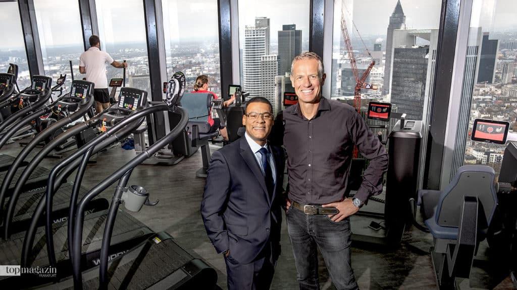 Prime Time Fitness-Geschäftsführer Henrik Gockel (re.) mit dem deutlich erschlankten Eugene Mosby
